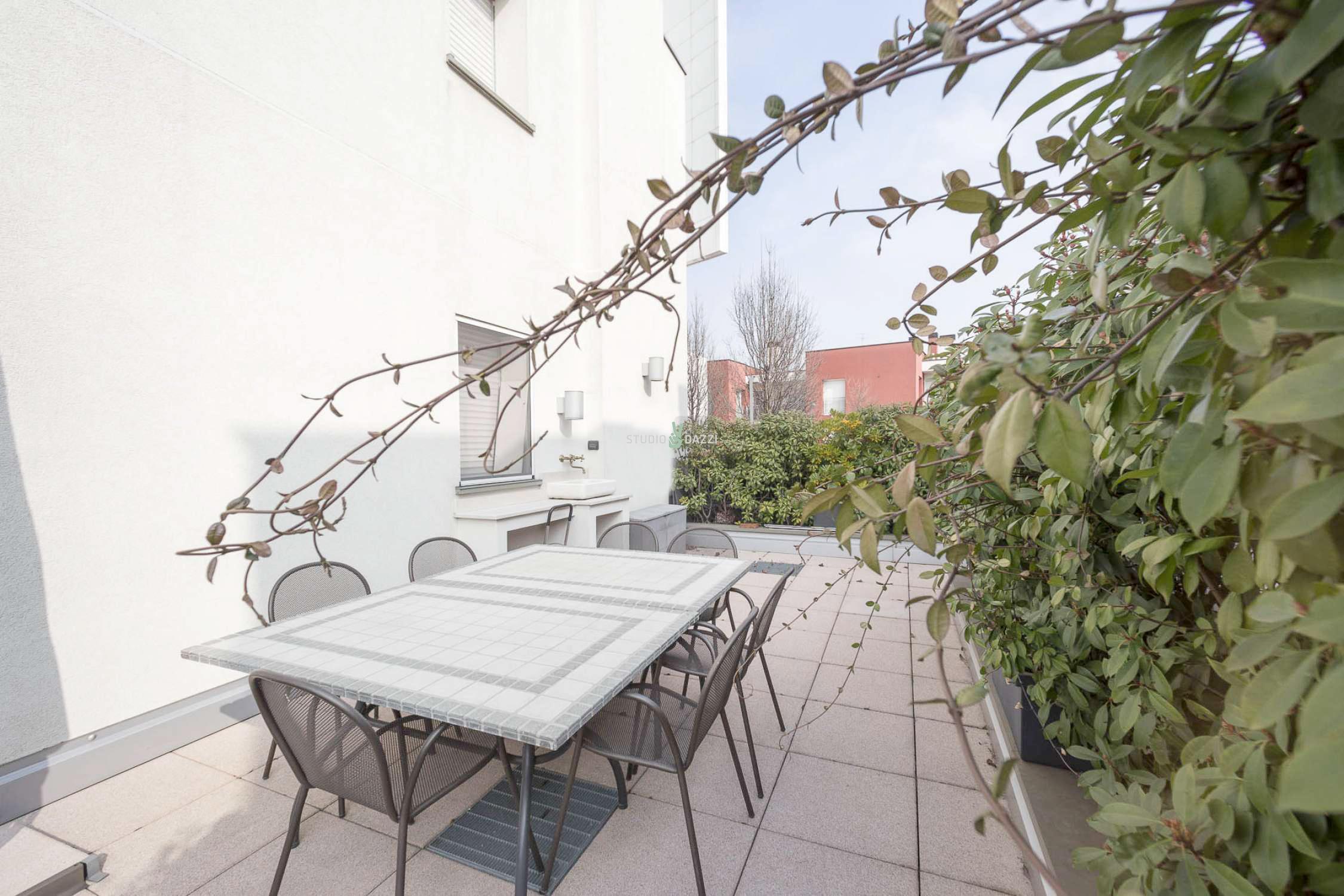Trilocale con terrazzo via Antonini – Immobiliare Studio Dazzi